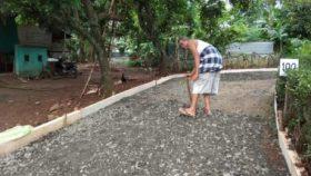 Gambar Teras Rumah Kampung Sederhana  semangat kakek esin ikut sukseskan tmmd di kampung cakung