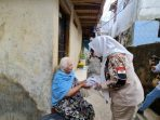 Apresiasi Tim Jaga Pompa, Fahira Idris turun ke Kampung Pulo bersama PKK