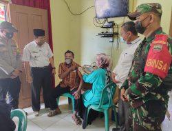 Camat Bandar Petalangan Monitoring Pelaksanaan Suntik Vaksin Massal Di desa Lubuk Keranji Timur