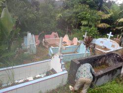 Kades Siuhom ,Terima Kasih Satgas TMMD telah Bersihkan Makam Dukuh Tangga Batu