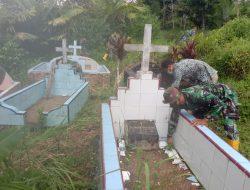 Manunggalnya TNI-Rakyat dalam Kerja Bakti Bersihkan Makam Desa Siuhom