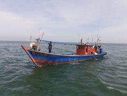KKP Berhasil Lumpuhkan Dua Kapal Trawl Asal Malaysia