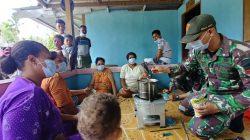 Cegah Covid 19, TNI Ajarkan Pembuatan Wedang Jahe ala Pos Skamto di Papua